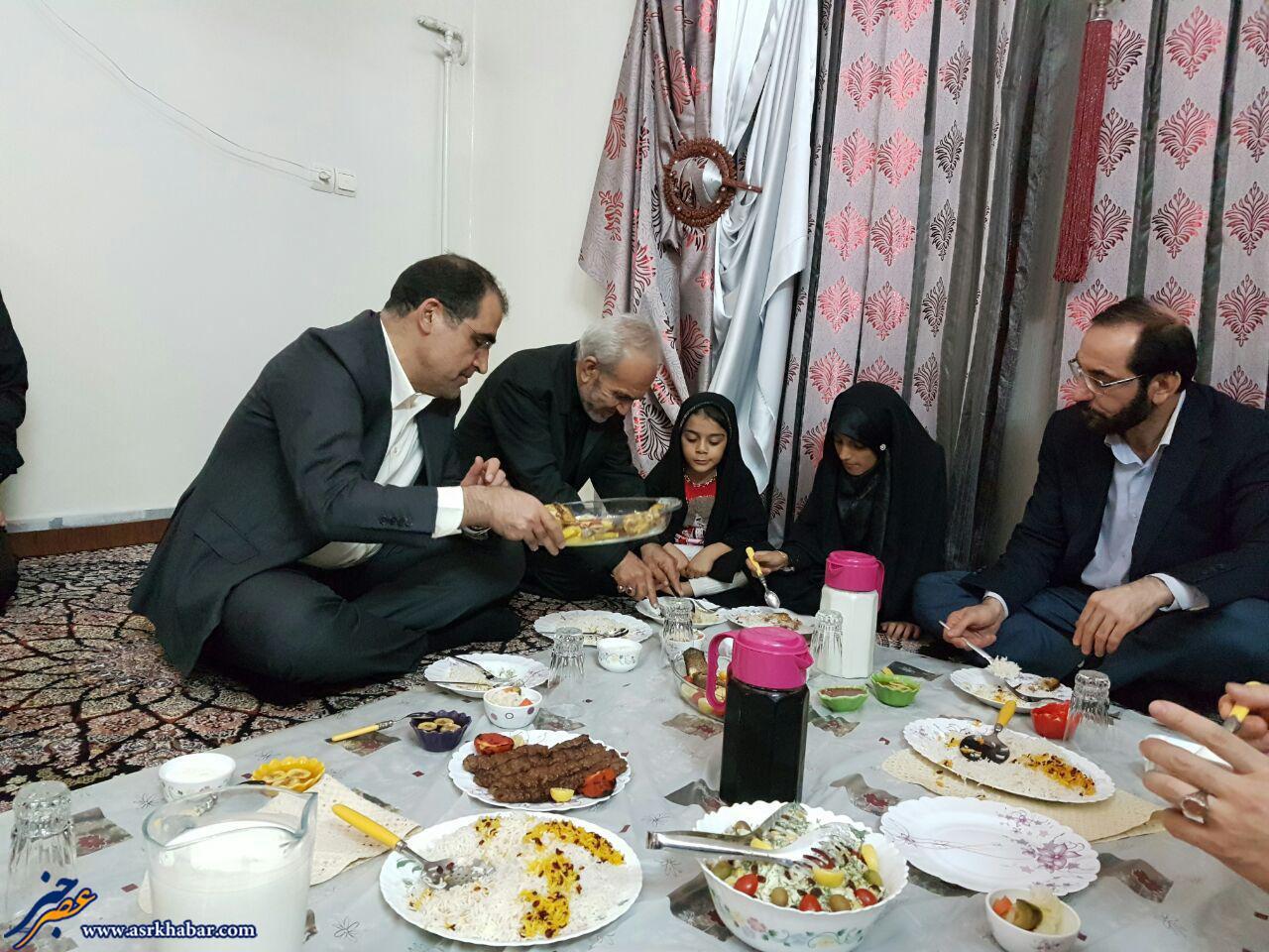 وزیر بهداشت دیشب شام کجا بود؟ (عکس)
