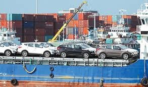 تازه ترین خبرها از پرونده قاچاق سازمان یافته خودرو / گمرک قاچاق 13 کانتینر پارچه از گمرک کیش را تکذیب کرد